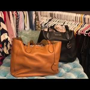 Authentic Michael Kors Tote with Wristlet